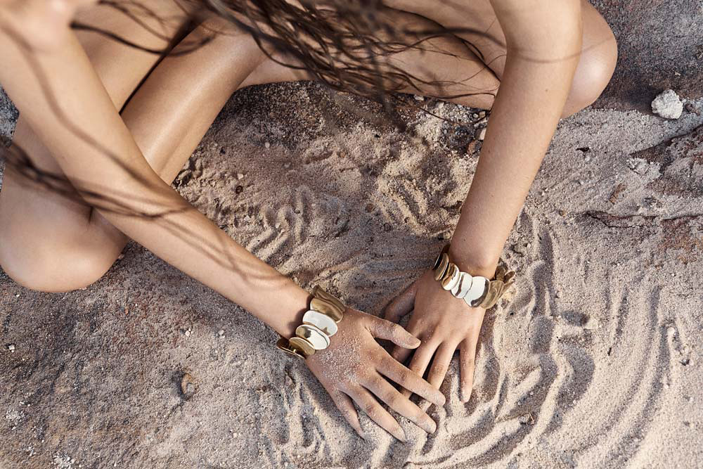 Natural jewellery collection Sand by Sydney based company Dinosaur Designs Sundeno_14