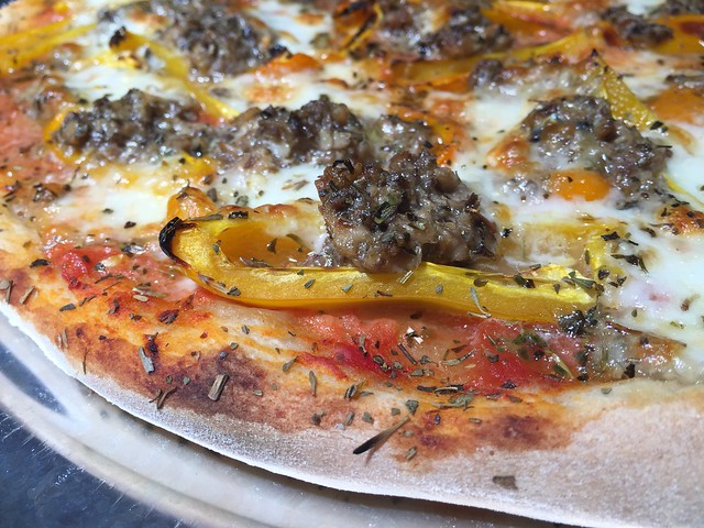 Sardine / Sweet Mini Peppers Pizza
