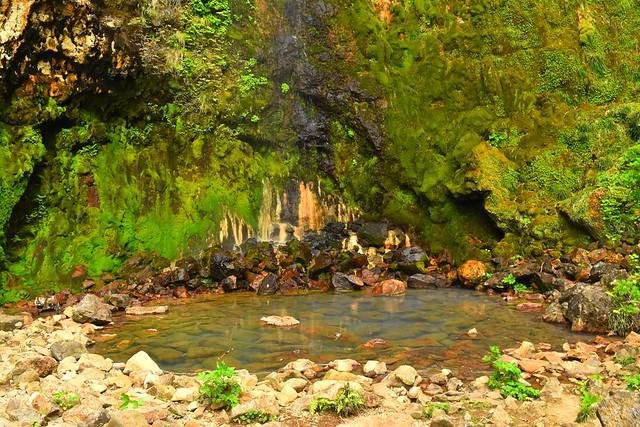 八丈島 唐滝の滝つぼ