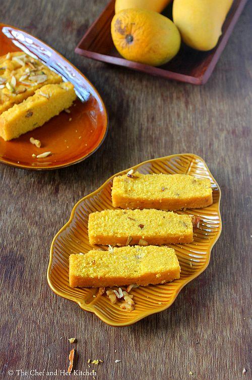 eggless mango semolina cake