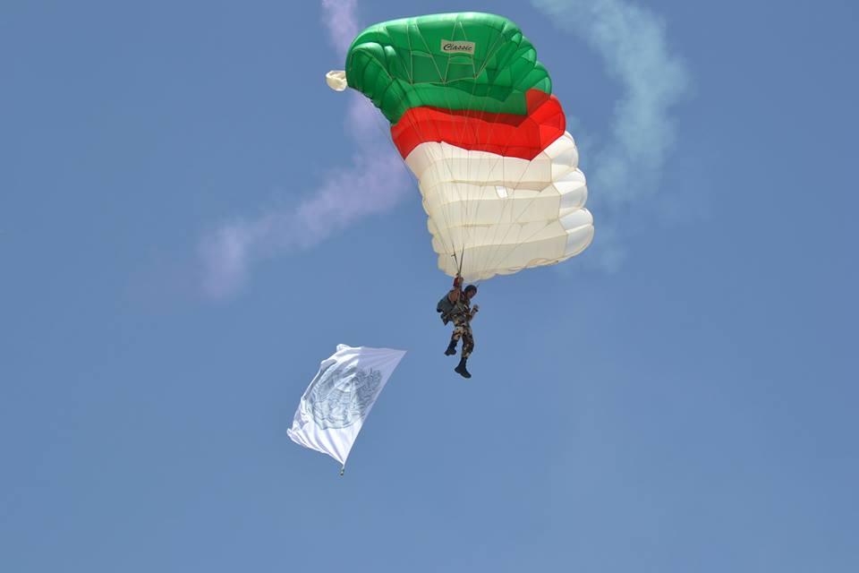 موسوعة الصور الرائعة للقوات الخاصة الجزائرية - صفحة 62 34997396444_f83b7eaf90_o