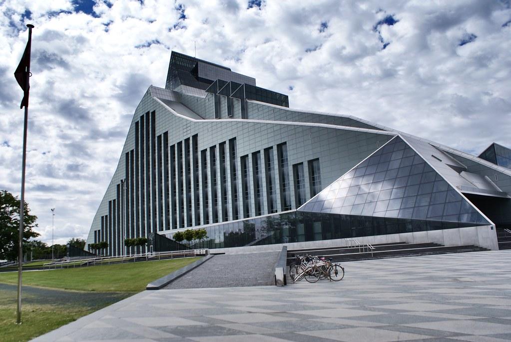 L'impressionnante bibliothèque nationale de Lettonie à Riga.