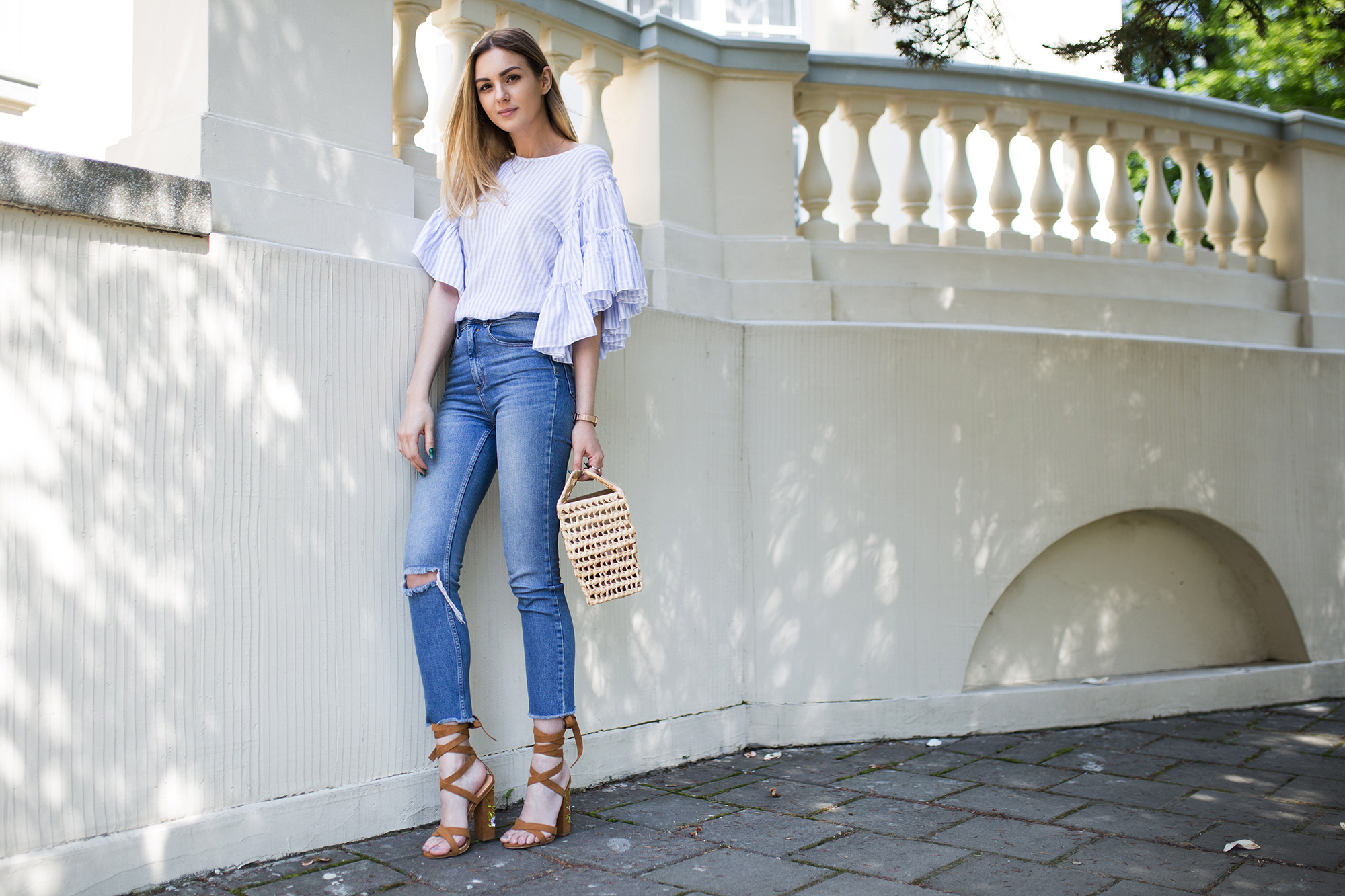 how-to-wear-ruffles-outfit-street-style