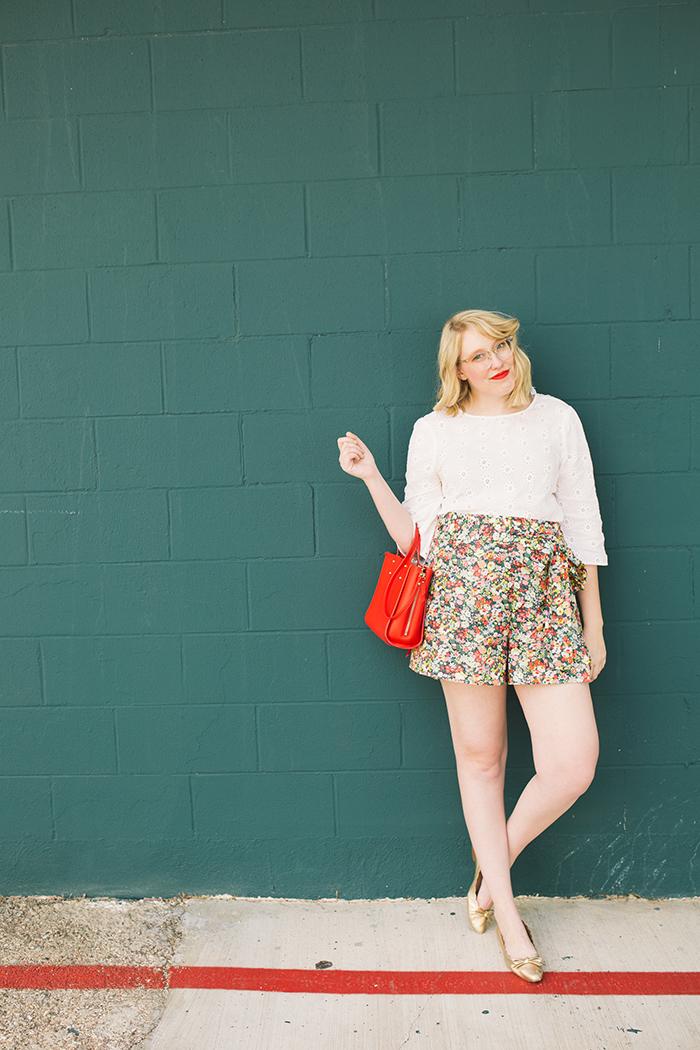 austin style blogger writes like a girl floral jcrew tie waist shorts17