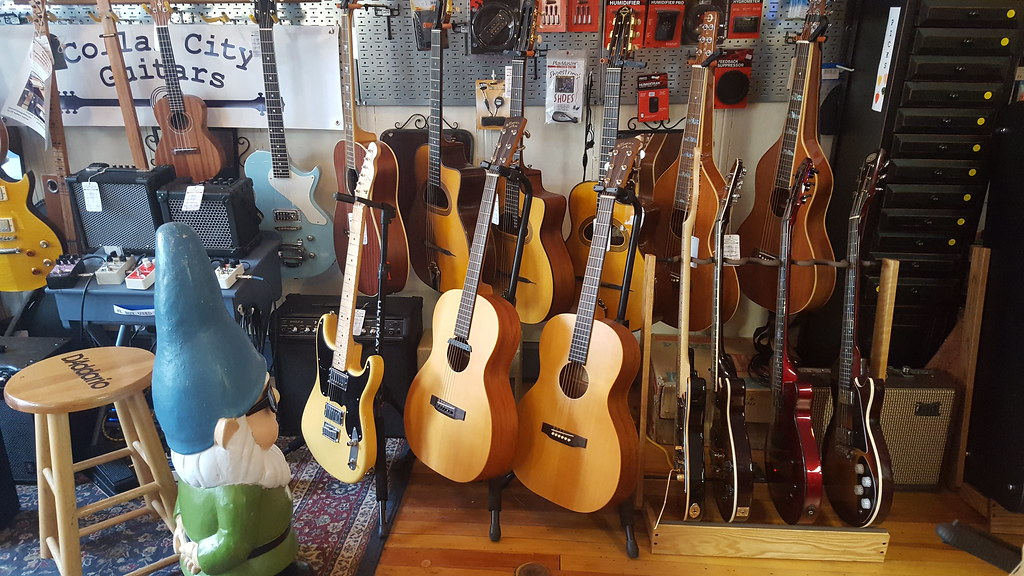 collar city guitars in troy new york the capital district flickr. Black Bedroom Furniture Sets. Home Design Ideas