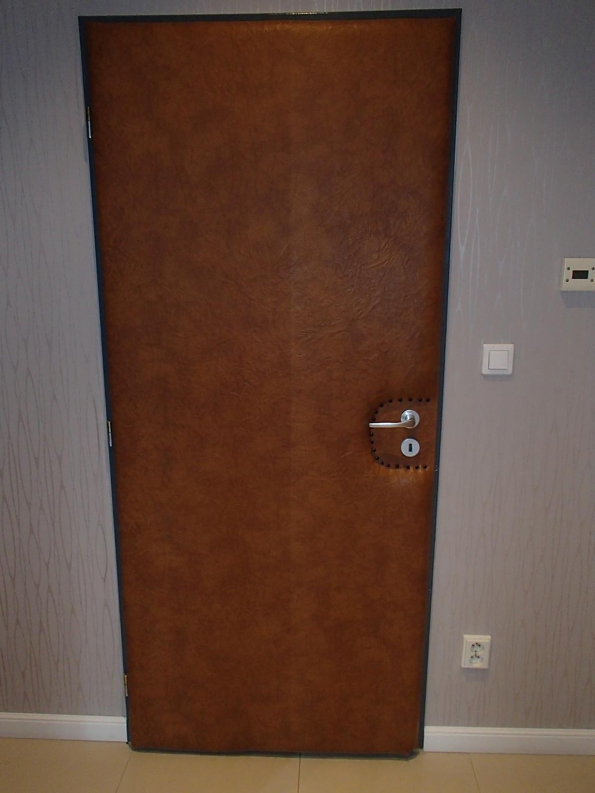 Isolerad dörr