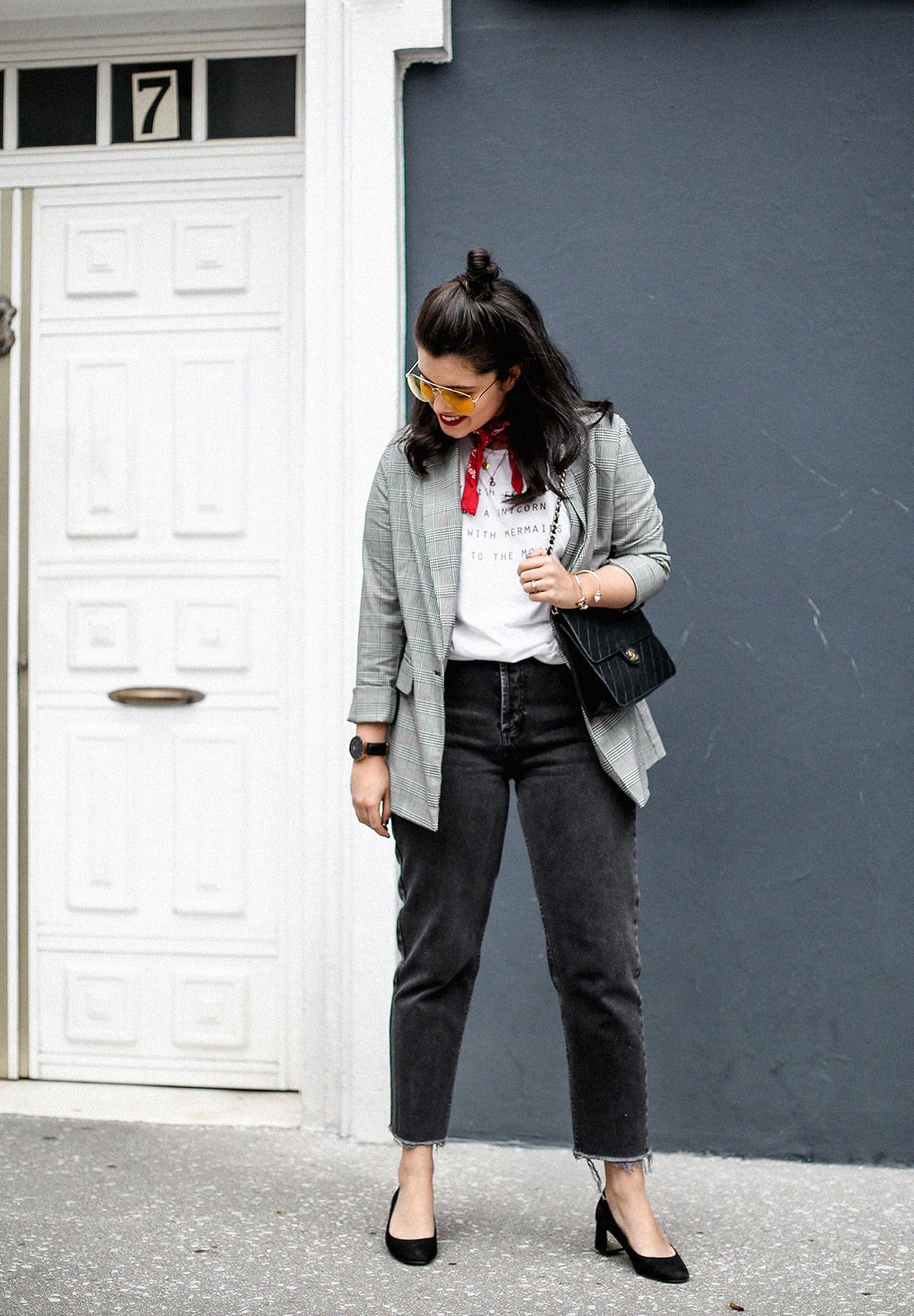 blazer-gris-cuadros-bershka-bandana-roja-mom-jeans-myblueberrynightsblog8