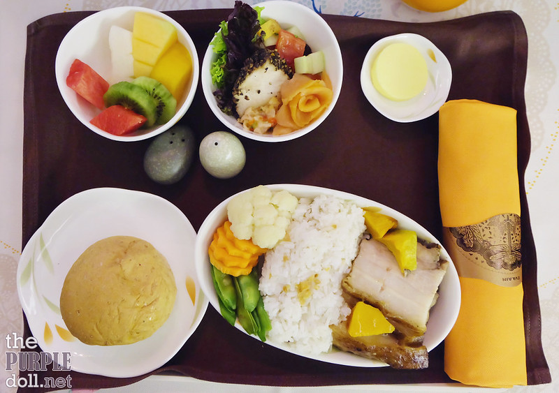 05 EVA Air MNL to TPE meal