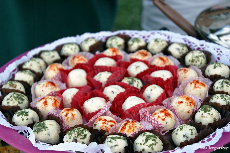 Сырная закуска в виде шариков