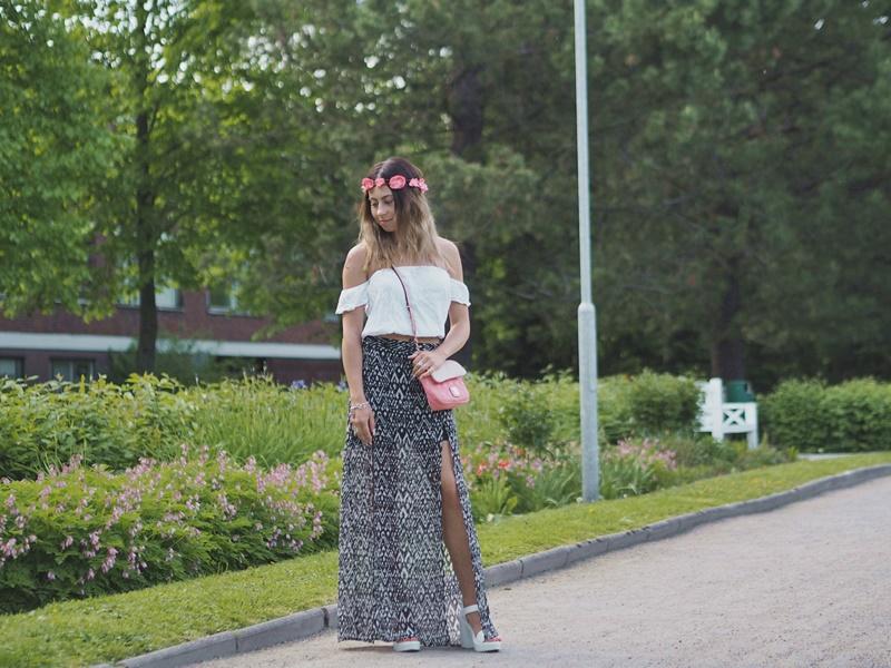 kesä-outfit-summer-asu-maxiskirt-maxihame-offshoulder-kukkaseppele