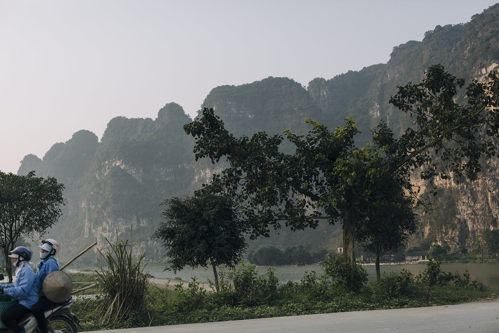 Tam_Coc_8b, Ninh Binh and Tam Coc National Park, a Photo and Travel Diary by the Blog The Curly Head, Photography by Amelie Niederbuchner,