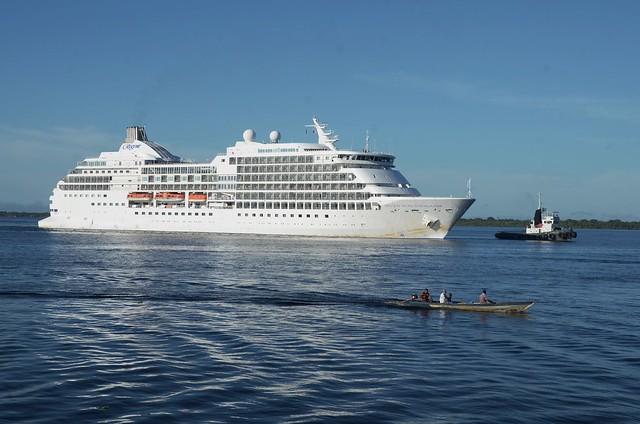 17.06.04 M/S Seven Seas Navigator encerra Temporada de Cruzeiro com 715 passageiros