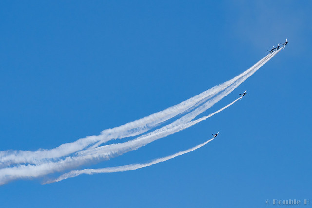 Blue Impulse's rehearsal flight for the 410th anniv. of Hikone Castle (35) Change Over Turn