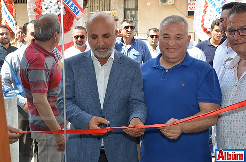 Kurdele kesimi Aytemiz Alanyaspor Başkanı Hasan Çavuşoğlu, Alanya Ticaret ve Sanayi Odası Başkanı Mehmet Şahin tarafından kesildi.
