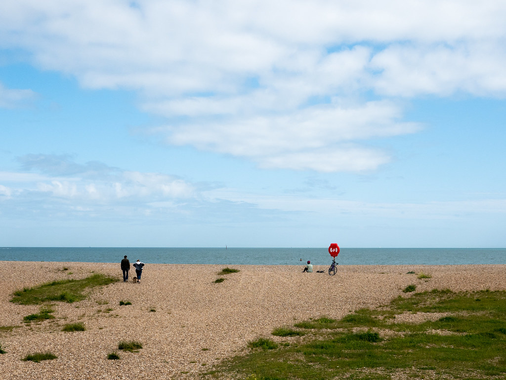 ladyvelo-premierinn-cycling-southsea-beach