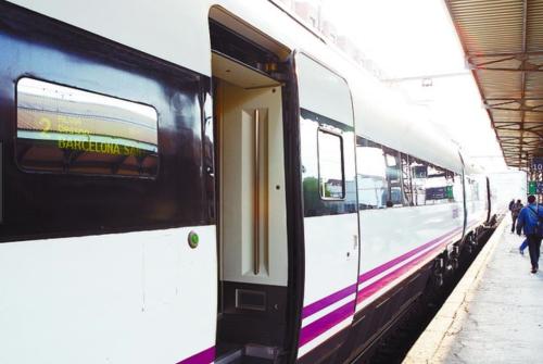 Descubrir Euskadi en tren, un plan alternativo y sostenible para este verano