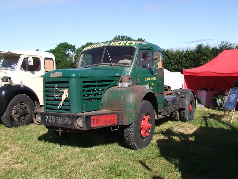 Rassemblement de camions anciens en Normandie 35531185265_df2bfe0abb_c