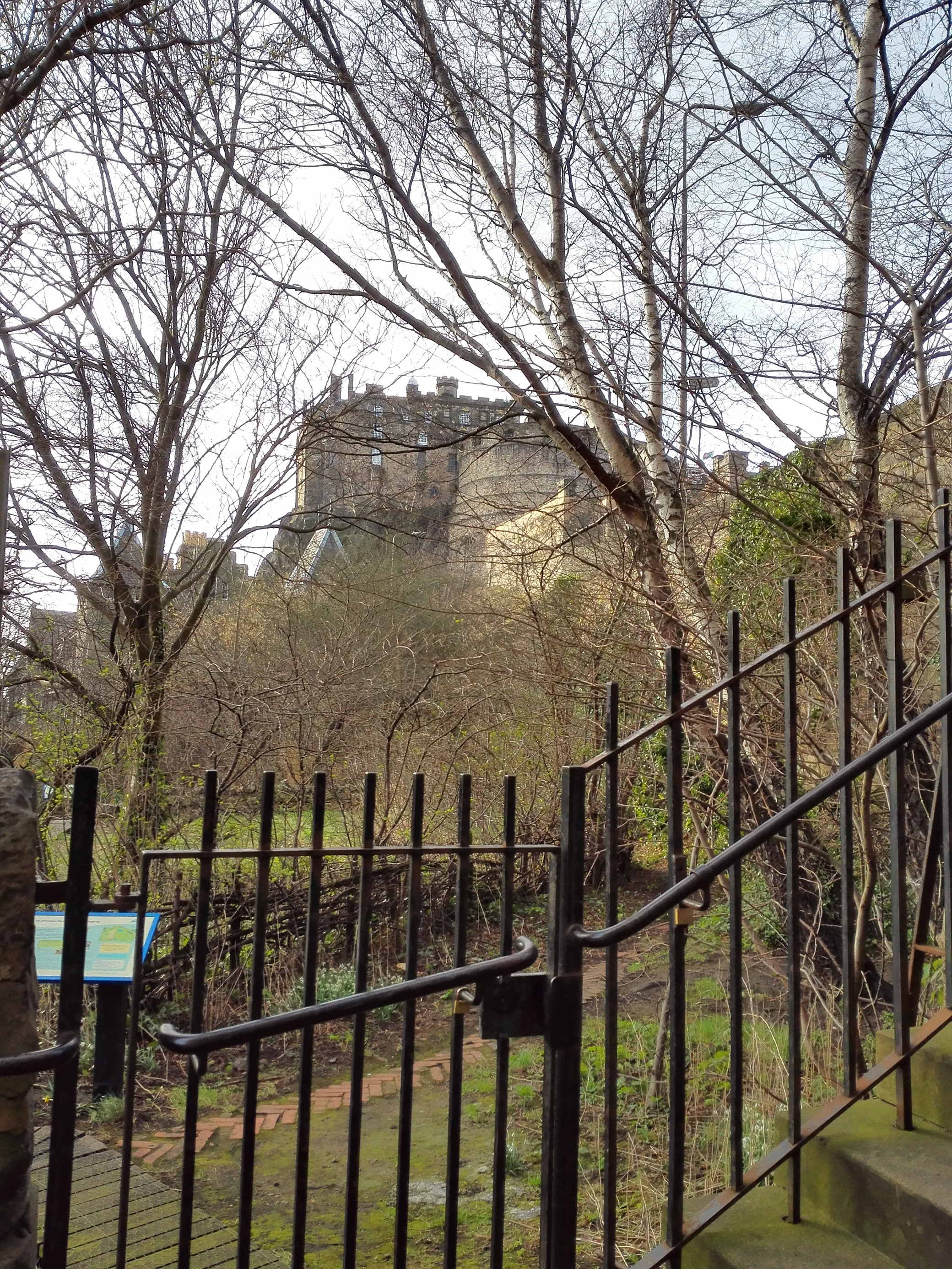 castle rock hostelから見える Edinburgh Castle