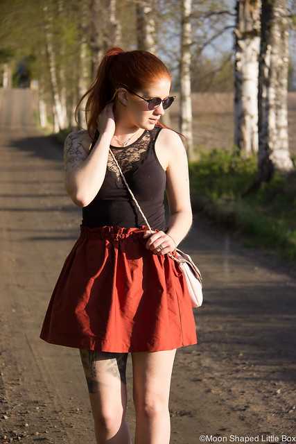 My Style Fashion Blogger Finland Zara skirt Gucci highheels shoes Fashionblog muoti tyyli blogi lifestyle bloggaaja Joensuu Polvijärvi Cobblerina nahkalaukku kotimainen finnish design styleblog OOTD outfit Unofficial sunglasses