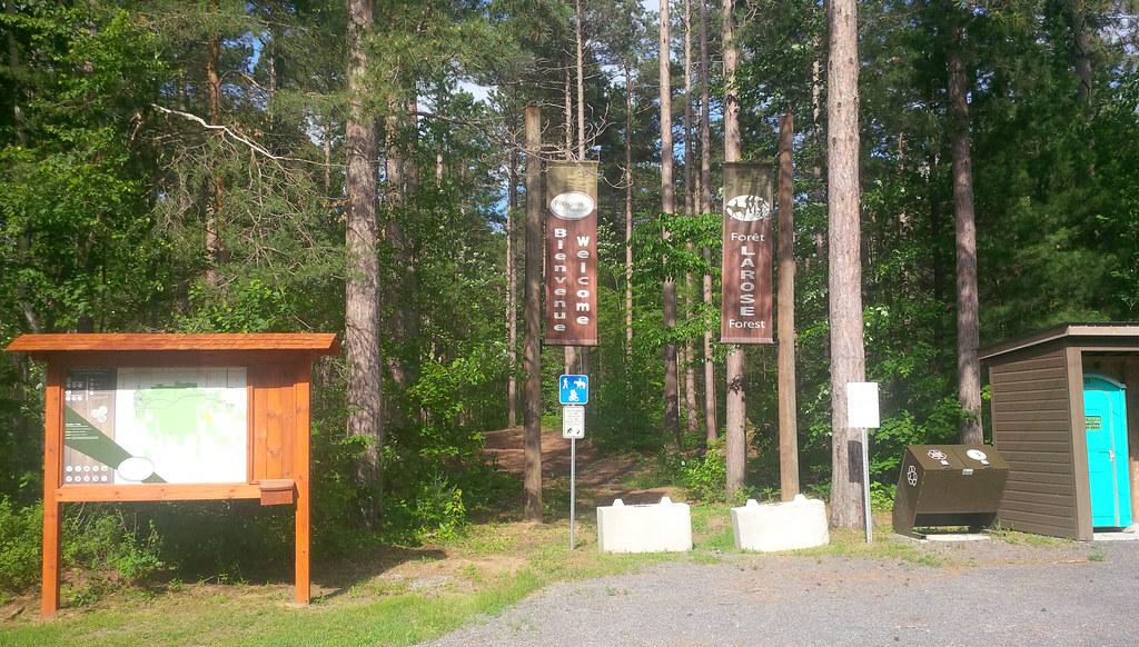 20170618_Larose_Forest_entrance