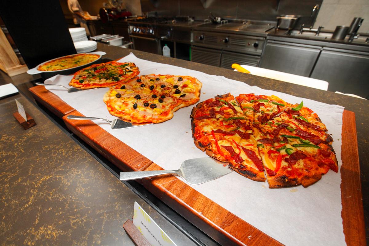 Shangri-la Lemon Garden Buffet Italian Pizzas