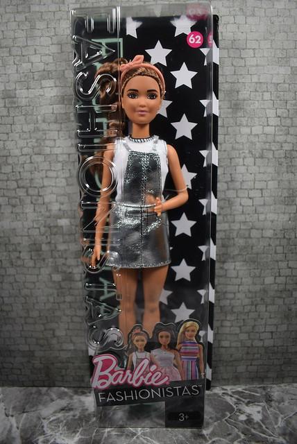 2016 Barbie Fashionistas Petite 62 DYY92 (2)