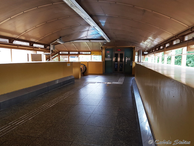 Commonwealth MRT Station 03