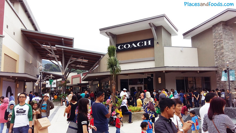 genting premium outlets coach