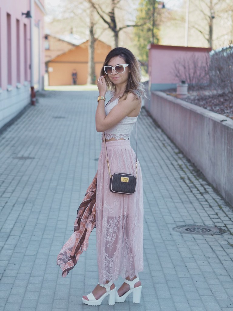 spring-outfit-lace-nude-pink-shades