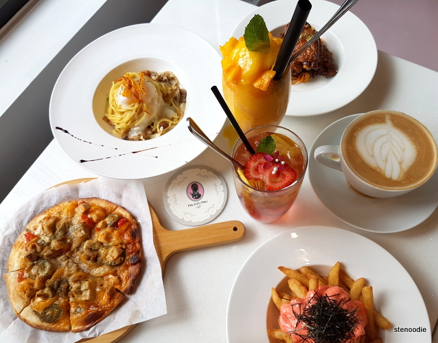 Dazzling Café food