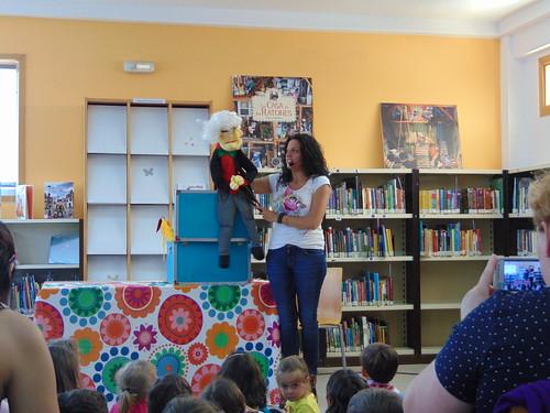 """""""Los cuentos de Ití"""" nas bibliotecas de Redondela"""