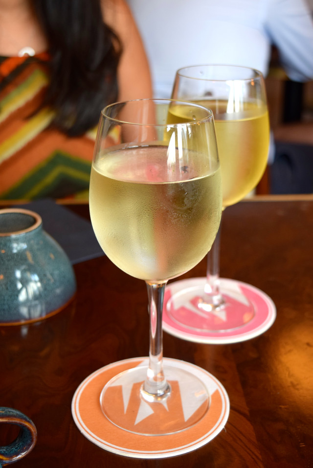 French White Wine at Mamie's, Covent Garden | www.rachelphipps.com @rachelphipps