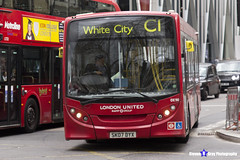 Alexander Dennis Enviro 200 - SK07 DYX - DE90 - White City C1 - London United RATP Group - London 2017 - Steven Gray - IMG_9191