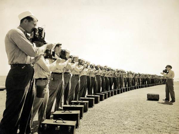 Naval Photography School instructor teaching camera techni… | Flickr