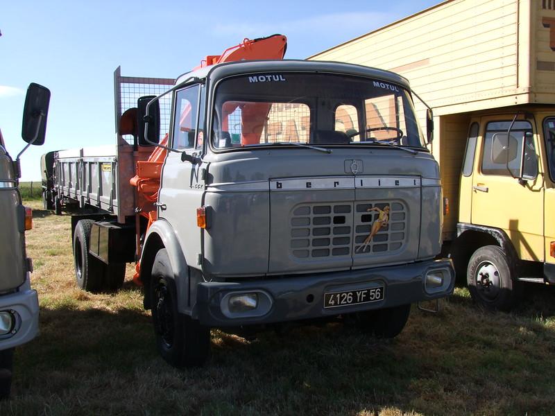 Rassemblement de camions anciens en Normandie 35503861126_de1a24a017_c