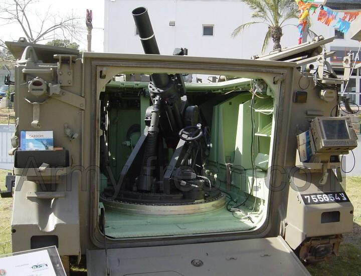 M113-Keshet-prototype-exhibition-c2004-f-1