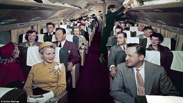 359DF25D00000578-3659743-Passenger_cabin_of_a_Douglas_DC_7-a-129_1466864153400