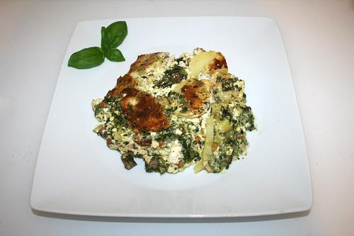 54 - Potato casserole with spinach & feta - Serviert / Kartoffelauflauf mit Spinat & Schafskäse - Serviert