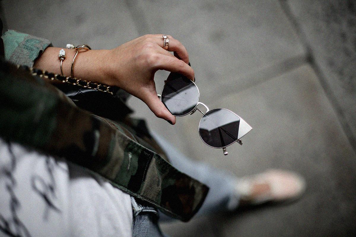 vintage-army-jacket-mom-jeans-espadrilles-myblueberrynightsblog