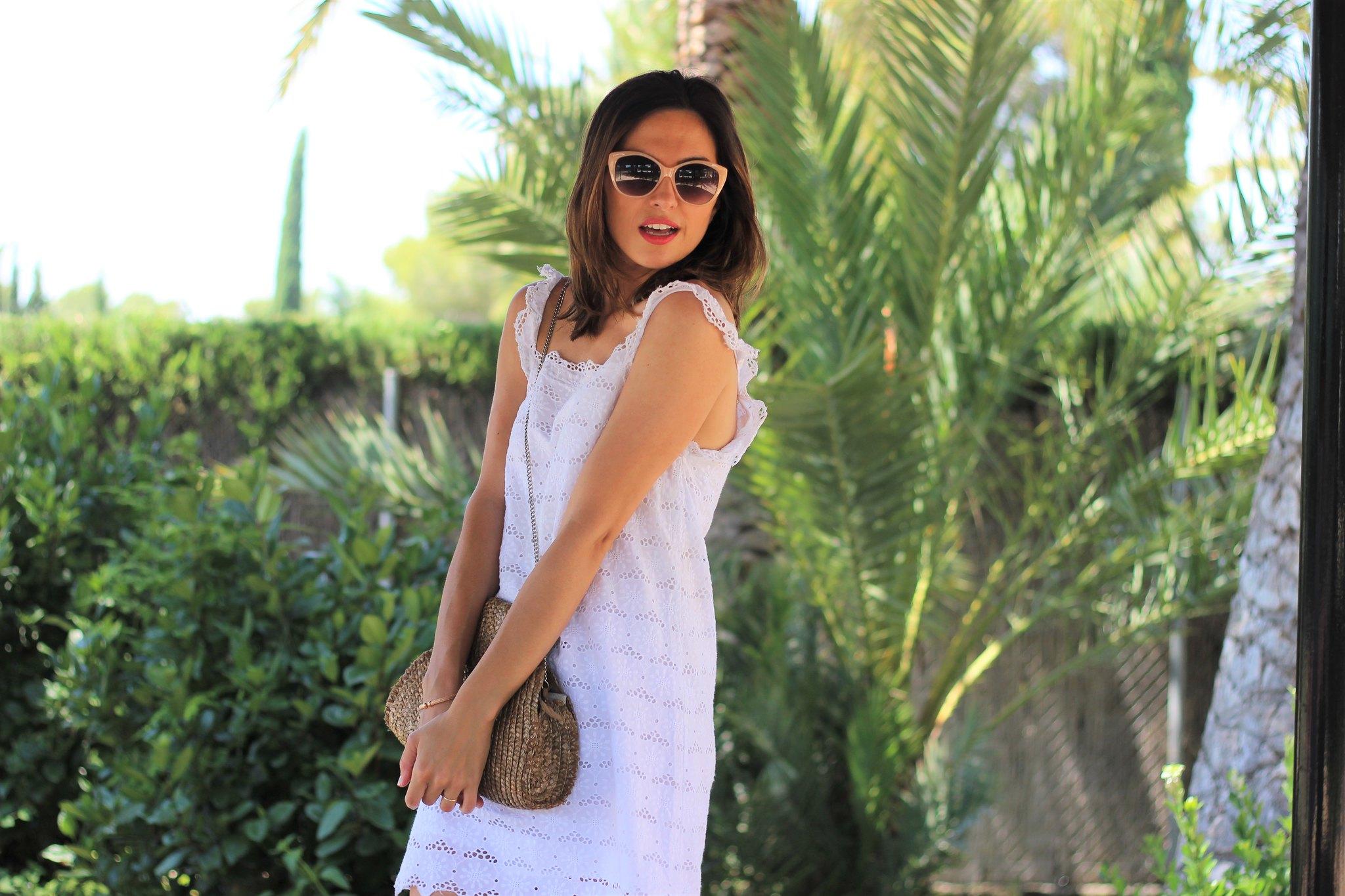 Vestido blanco calado_ Rojo Valentino Blog (22)