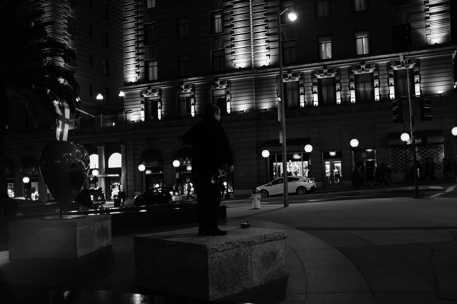 The San Francisco night photo taken by FUJIFILM X100S.