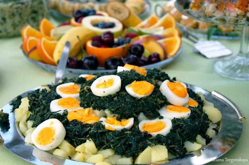 Картофель с яйцами и жученицей