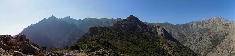 Panoramique de la crête Nord du CornuDellu : début de la crête (photo Olivier Hespel)