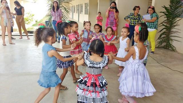Escolas de Escada comemoram a chegada do São João