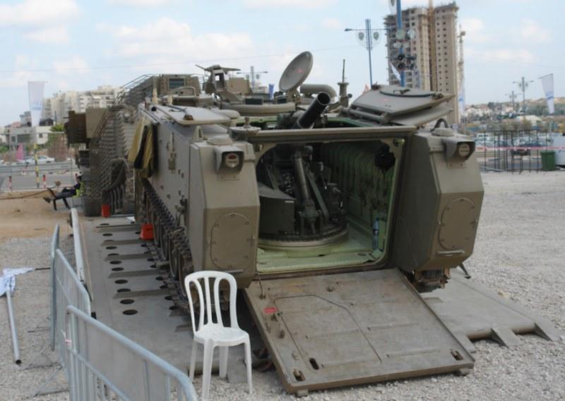 M113-Keshet-exhibition-meo-1