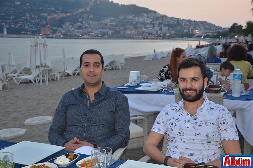 Diş Hekimi İbrahim Türker, Diş Hekimi Sinan Yücel