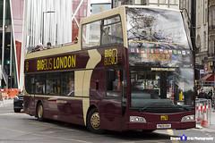 Volvo B9TL Optare Visionaire - PN09 ENY - DA211 - Big Bus London - London 2017 - Steven Gray - IMG_9391