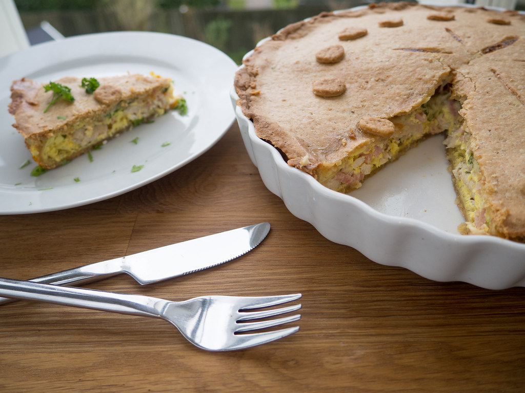 Recipe for Homemade Parsley Chicken Ham Pie