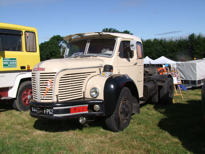 Rassemblement de camions anciens en Normandie 35531173405_89bc6582fc_c