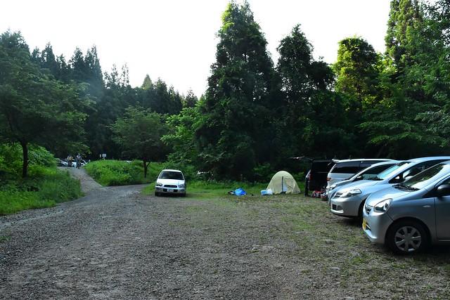 二王子岳登山口駐車場